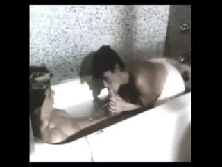 Порно видео инцеста мамы и сына дома на кровати, пока папы нет рядом